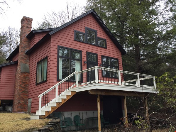 Airy, Modern, Lakefront w/Large Deck, Sunset views Home Rental in Williamsburg 0 - thumbnail