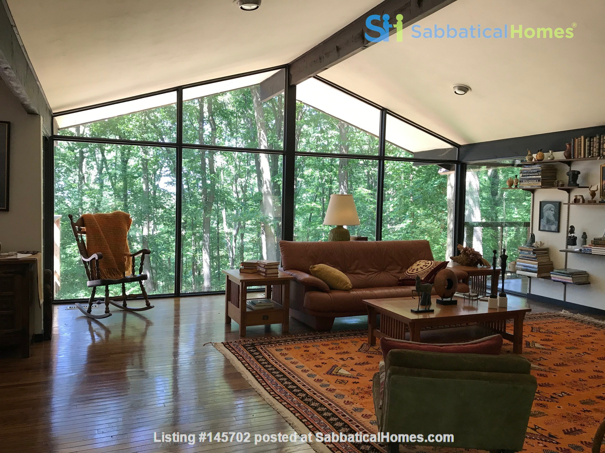Dramatic California Contemporary set in woods adjacent to Valley Forge Park Home Rental in Phoenixville, Pennsylvania, United States 1