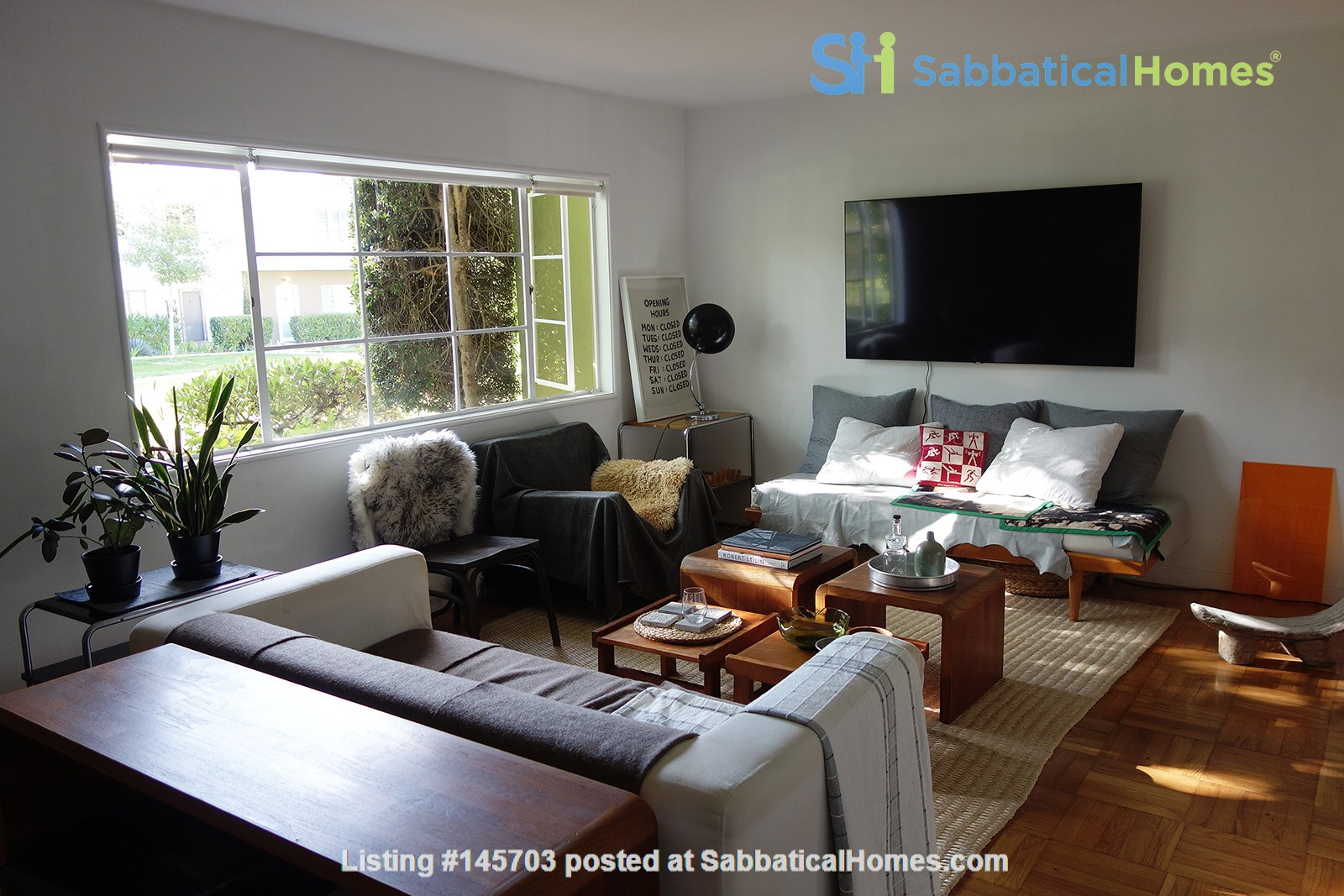 Light-filled 2BR townhouse with large patio in urban oasis in Los Angeles Home Rental in Los Angeles, California, United States 4