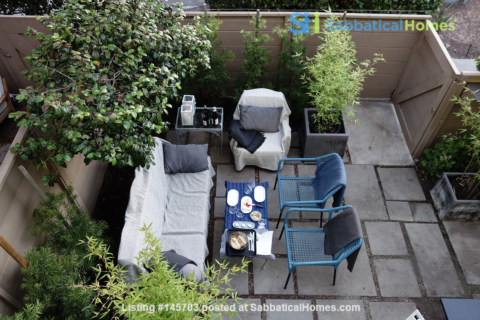 Light-filled 2BR townhouse with large patio in urban oasis in Los Angeles Home Rental in Los Angeles, California, United States 2
