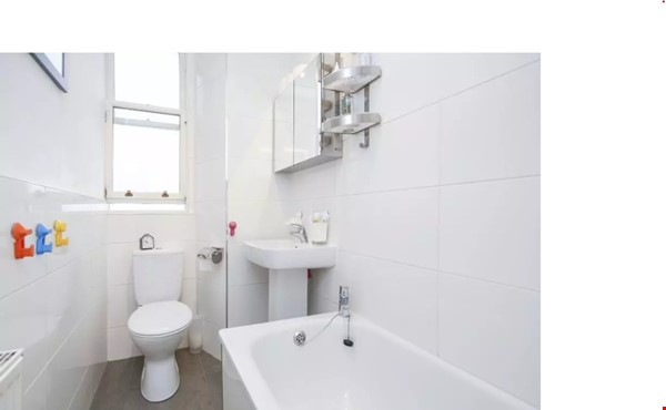 Bright single bedroom available for academic tenant Home Rental in  4 - thumbnail
