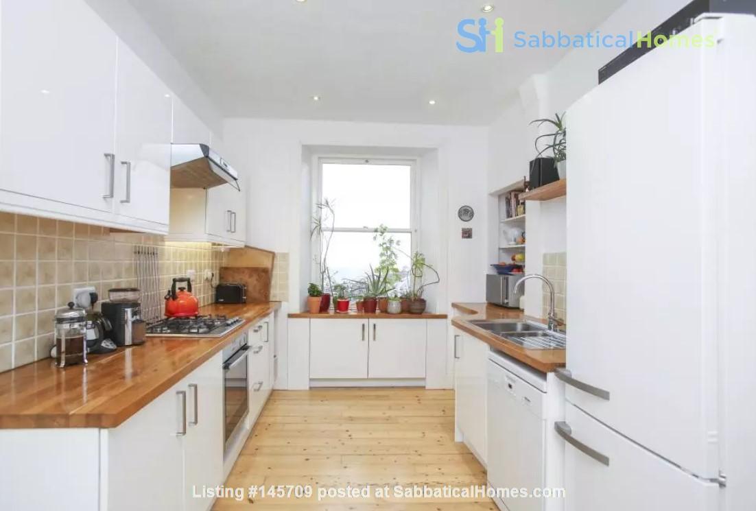 Bright single bedroom available for academic tenant Home Rental in Edinburgh, Scotland, United Kingdom 2