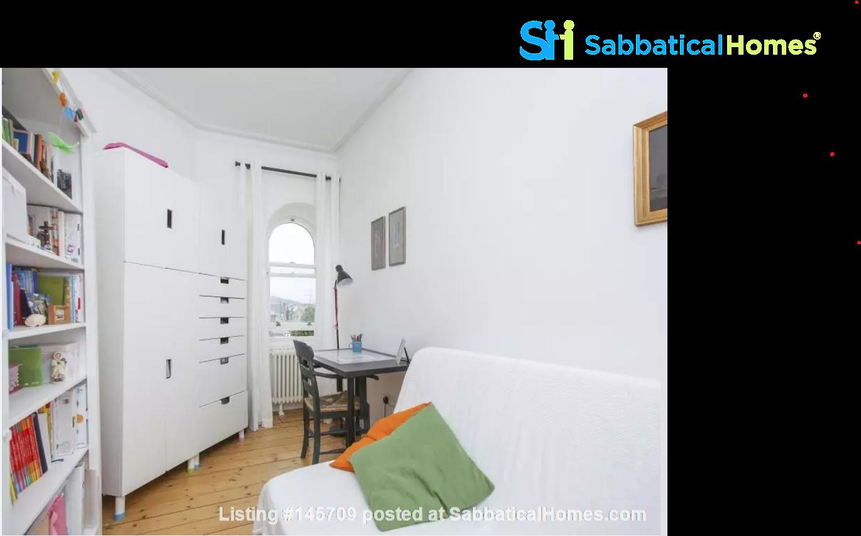 Bright single bedroom available for academic tenant Home Rental in Edinburgh, Scotland, United Kingdom 0
