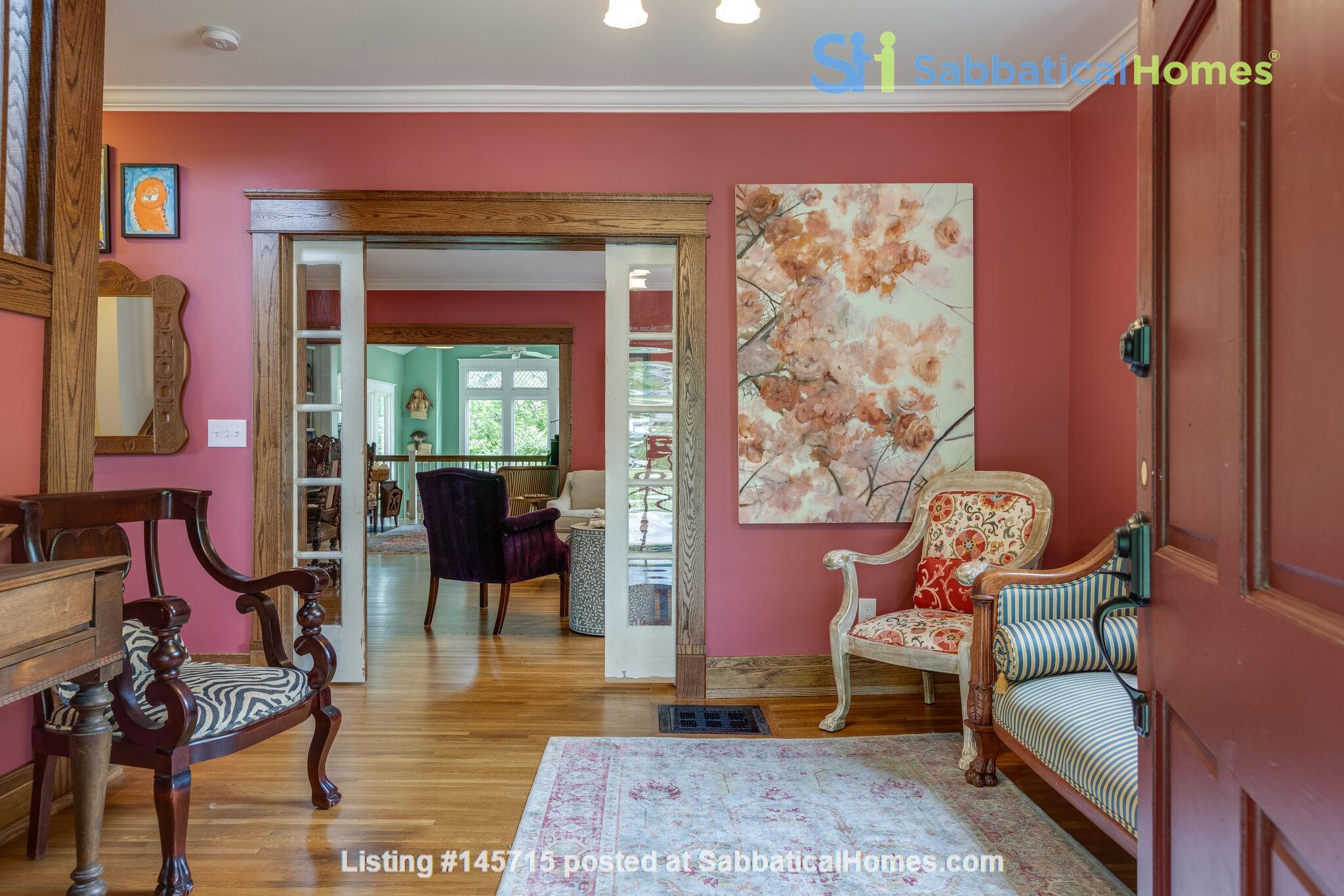 5 BR/3 + 2 BA Historic gem in Belmont-Hillsboro Home Rental in Nashville 2
