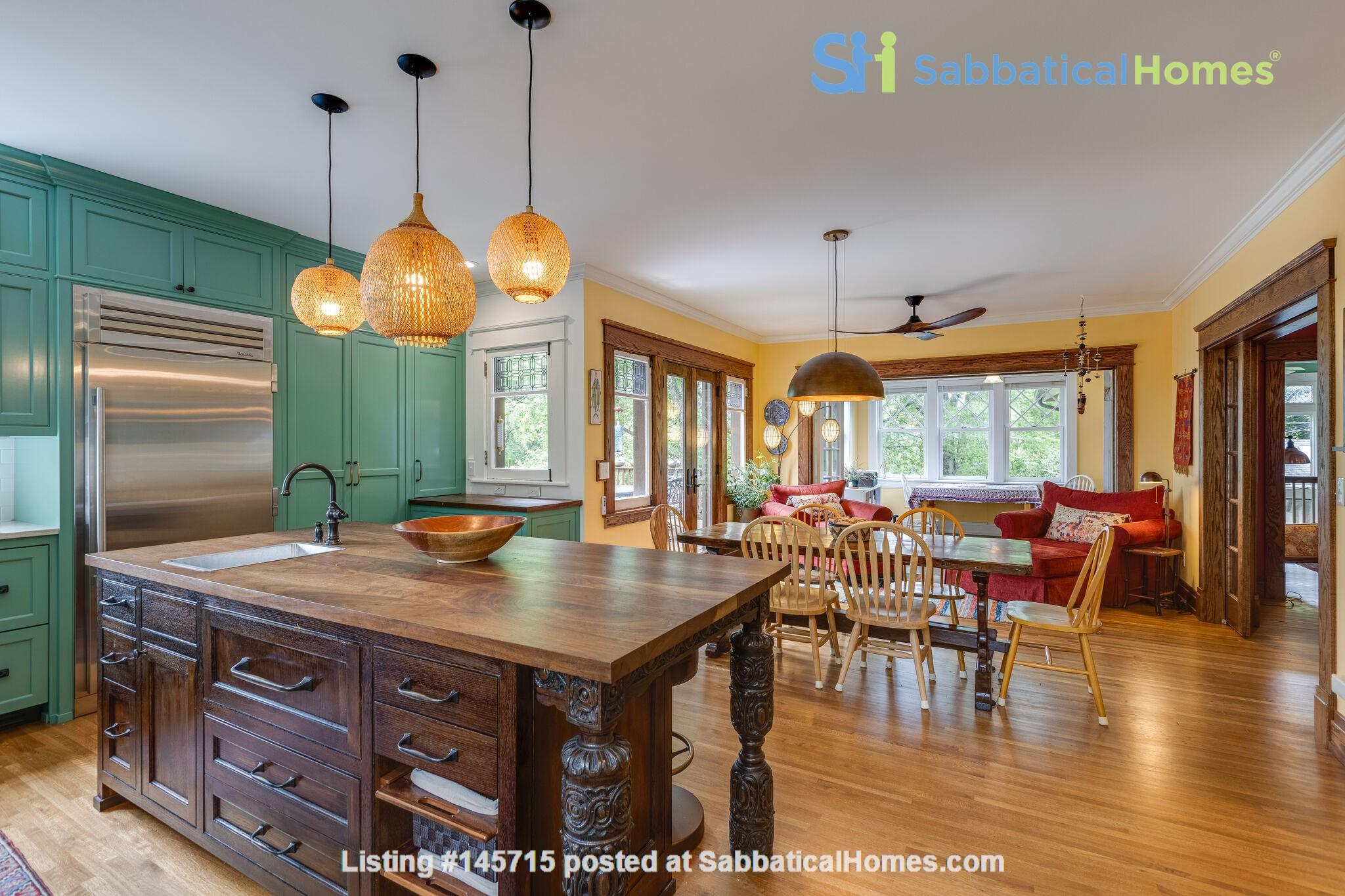 5 BR/3 + 2 BA Historic gem in Belmont-Hillsboro Home Rental in Nashville 4