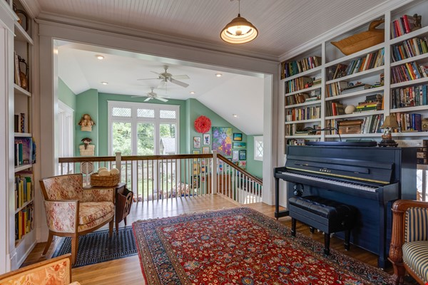 5 BR/3 + 2 BA Historic gem in Belmont-Hillsboro Home Rental in Nashville 5 - thumbnail
