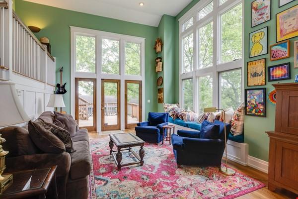 5 BR/3 + 2 BA Historic gem in Belmont-Hillsboro Home Rental in Nashville 6 - thumbnail