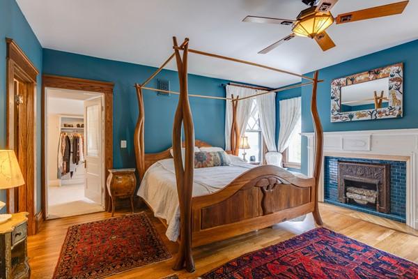 5 BR/3 + 2 BA Historic gem in Belmont-Hillsboro Home Rental in Nashville 7 - thumbnail