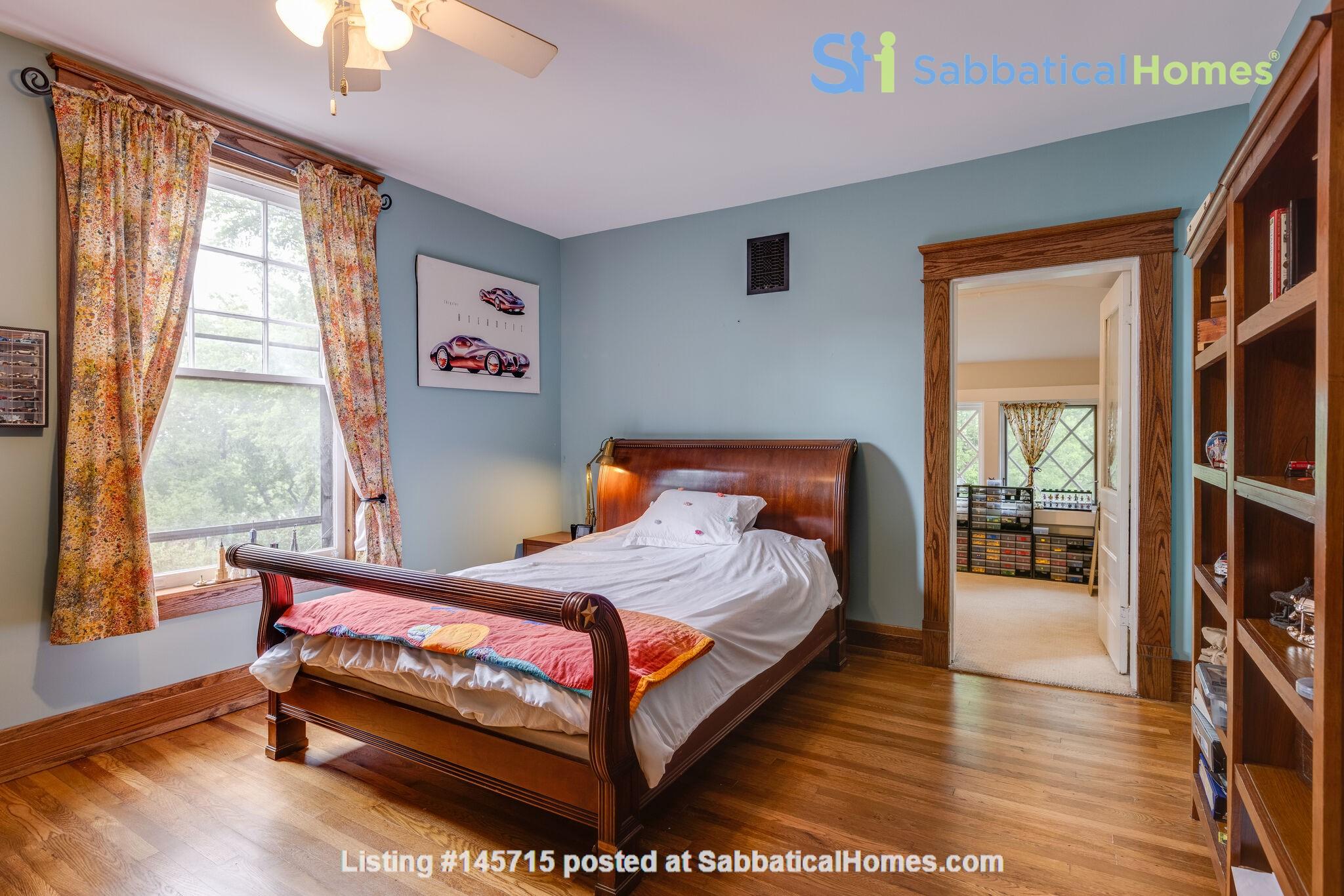 5 BR/3 + 2 BA Historic gem in Belmont-Hillsboro Home Rental in Nashville 8