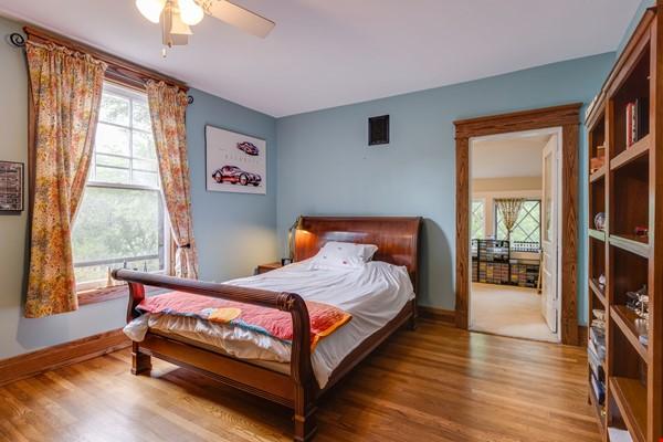 5 BR/3 + 2 BA Historic gem in Belmont-Hillsboro Home Rental in Nashville 8 - thumbnail