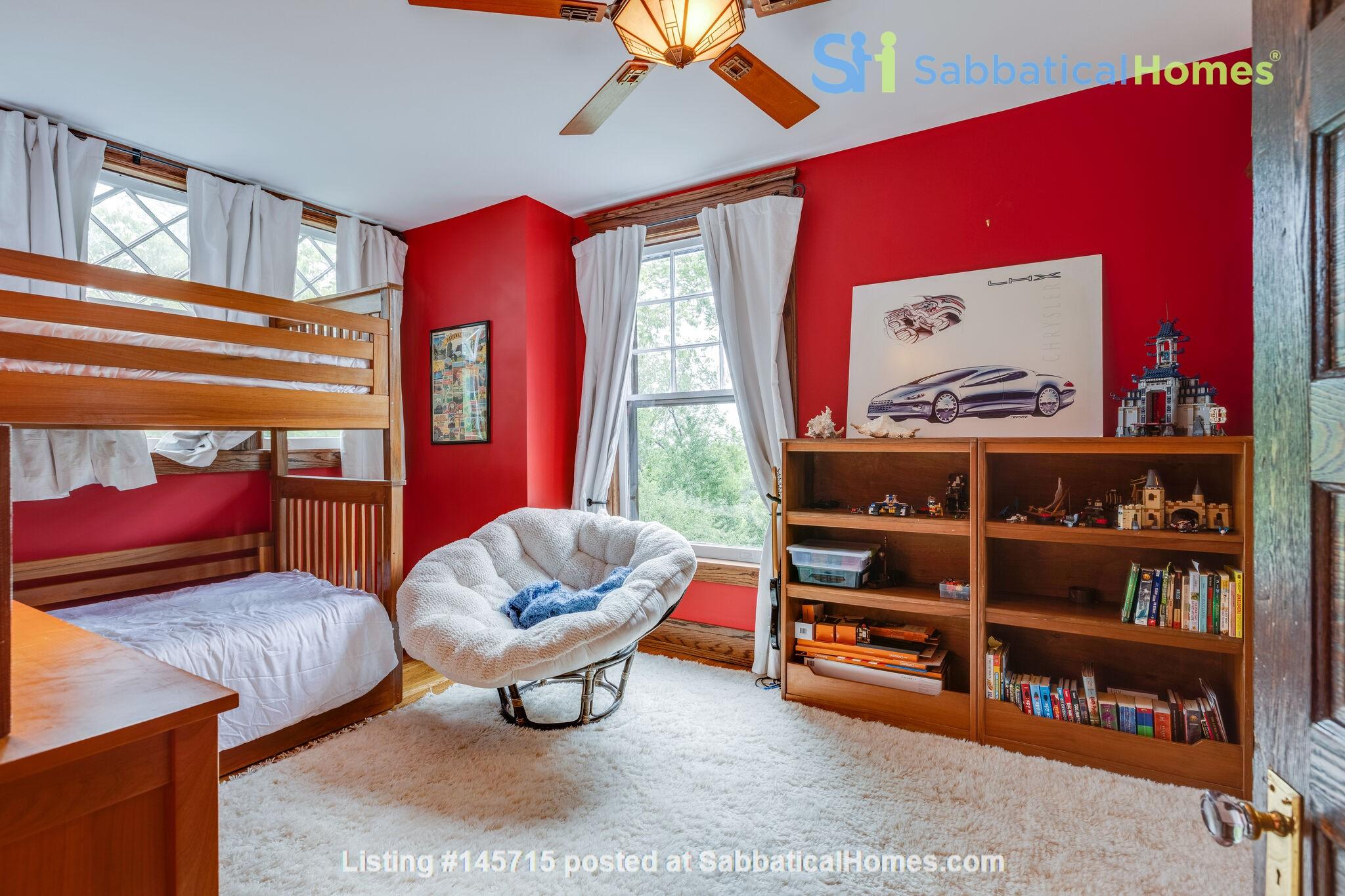 5 BR/3 + 2 BA Historic gem in Belmont-Hillsboro Home Rental in Nashville 9