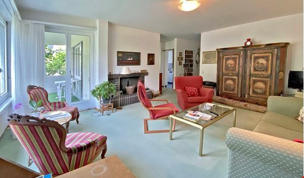 Upper Fluehgasse Home Rental in Zürich 1 - thumbnail