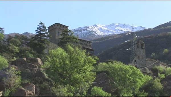 Romantic Italian castle at the foot of the Alps in Piemonte, Italy Home Rental in  4 - thumbnail