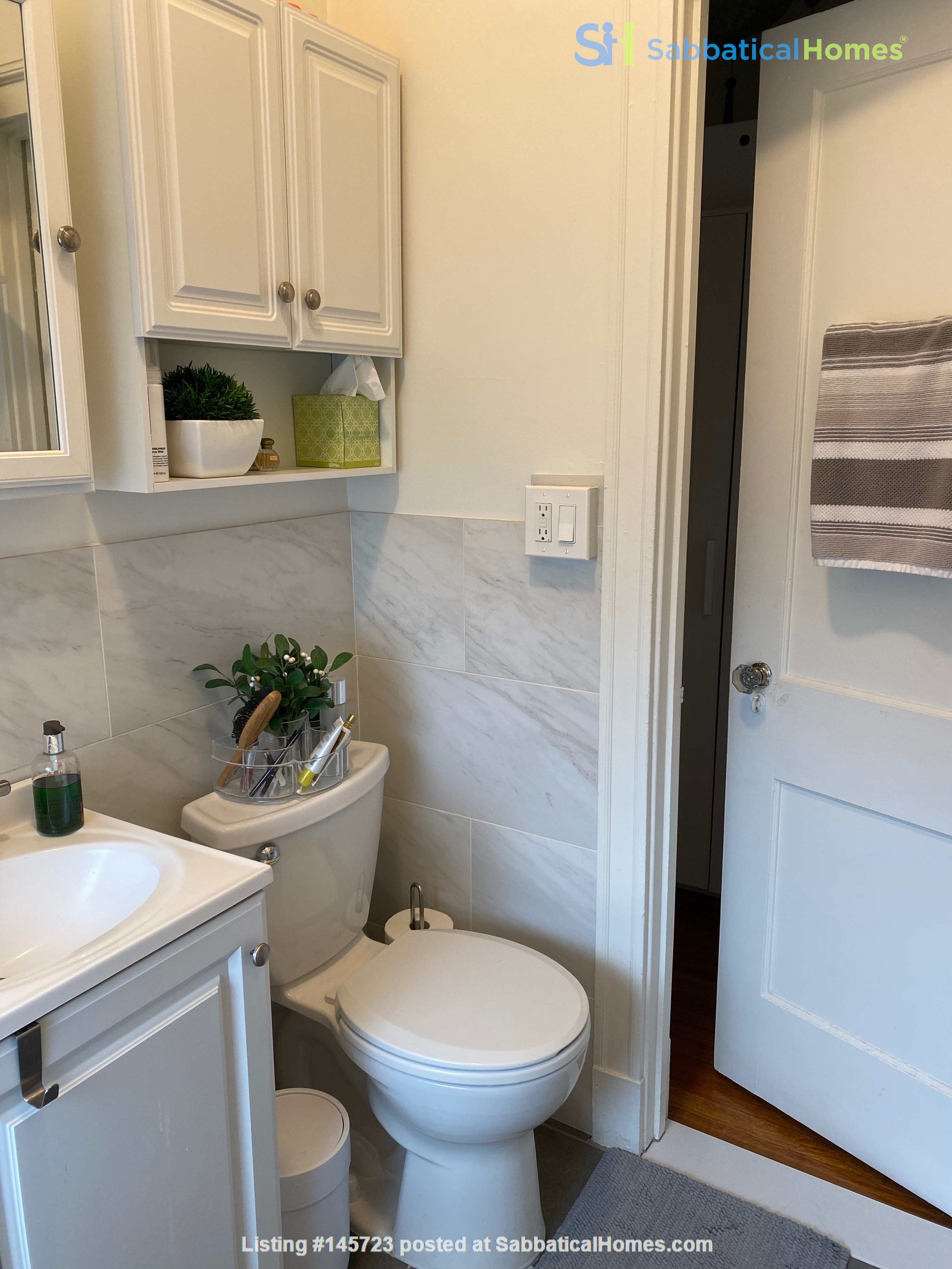 For Rent: A wonderful apartment in the heart of Harvard Square! Home Rental in Cambridge, Massachusetts, United States 8