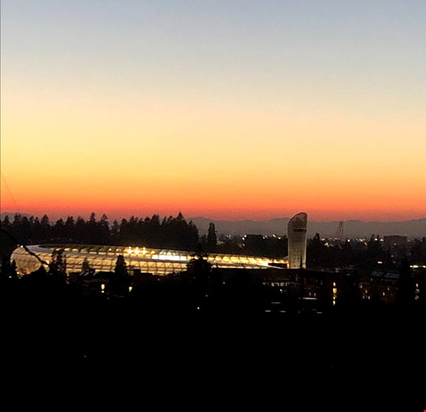 Sunset views and walking lifestyle by UO Campus & forest park. Remodeled Home Rental in Eugene 0 - thumbnail