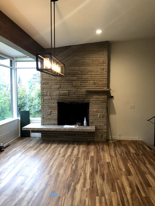 Sunset views and walking lifestyle by UO Campus & forest park. Remodeled Home Rental in Eugene 5 - thumbnail