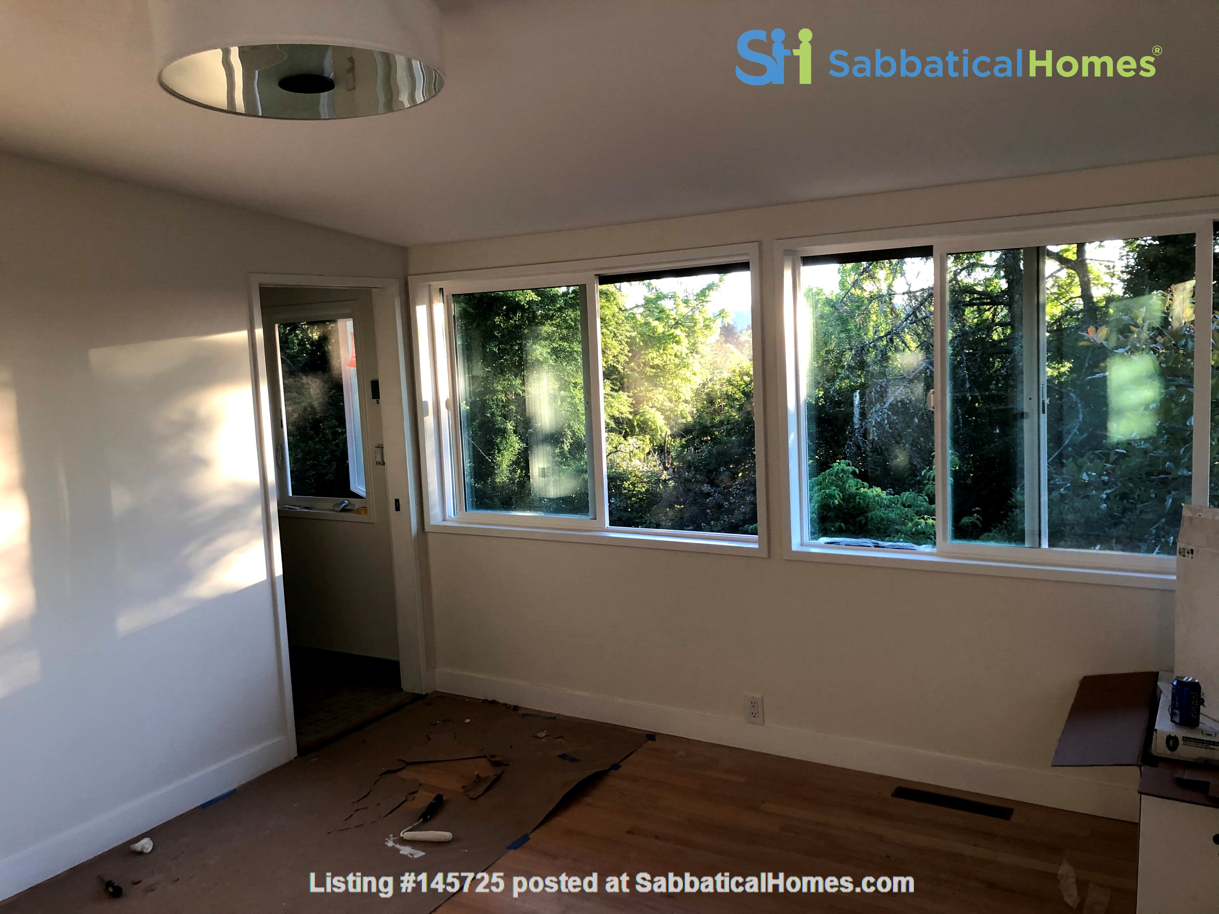 Sunset views and walking lifestyle by UO Campus & forest park. Remodeled Home Rental in Eugene, Oregon, United States 8