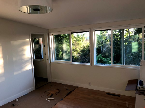 Sunset views and walking lifestyle by UO Campus & forest park. Remodeled Home Rental in Eugene 8 - thumbnail