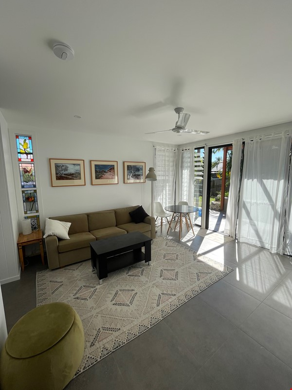 Contemporary self-contained newly built space, walk to UQ's St Lucia campus Home Rental in Annerley 2 - thumbnail