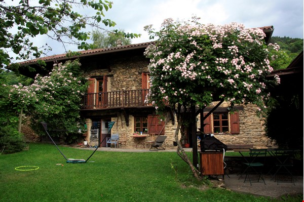 Cosy stone house in the french Alps with huge garden and mountain views Home Exchange in Le Moutaret 0 - thumbnail