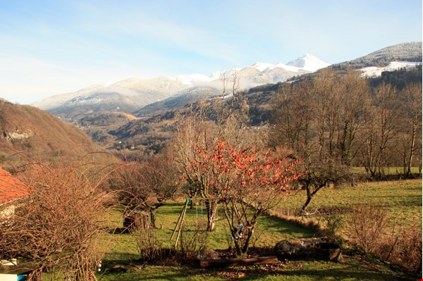 Cosy stone house in the french Alps with huge garden and mountain views Home Exchange in Le Moutaret 5 - thumbnail