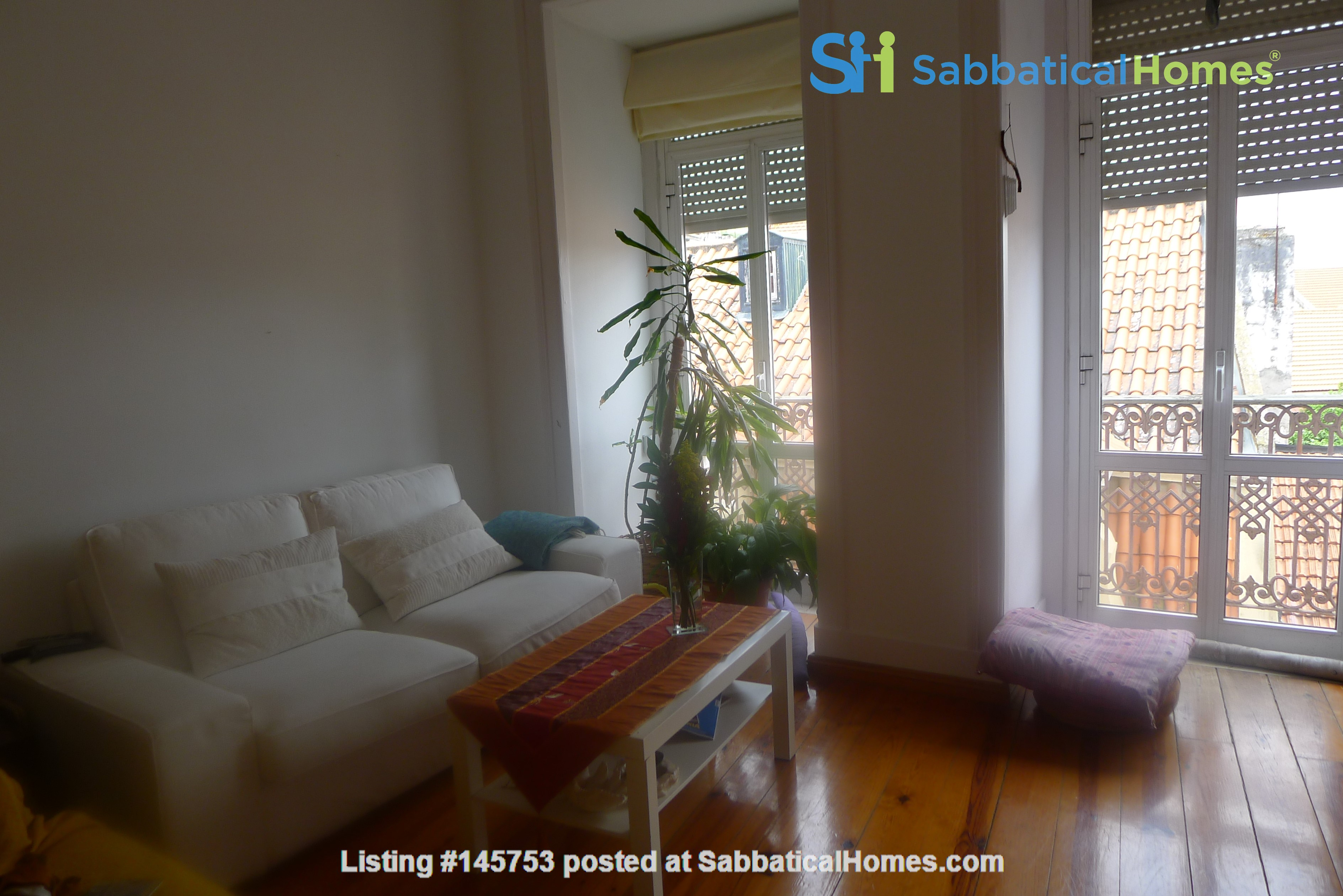 Sunny, central and quiet one-bedroom apartment - perfect for a couple Home Exchange in Lisboa 1