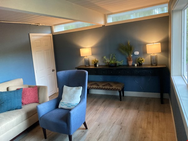 Shared house with 1; Private entrance master bedroom,office/writers retreat Home Rental in Oakland 2 - thumbnail
