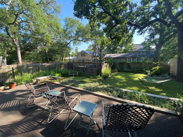 Beautiful 1920s Craftsman House (furnished, home share) Home Rental in Austin 5 - thumbnail