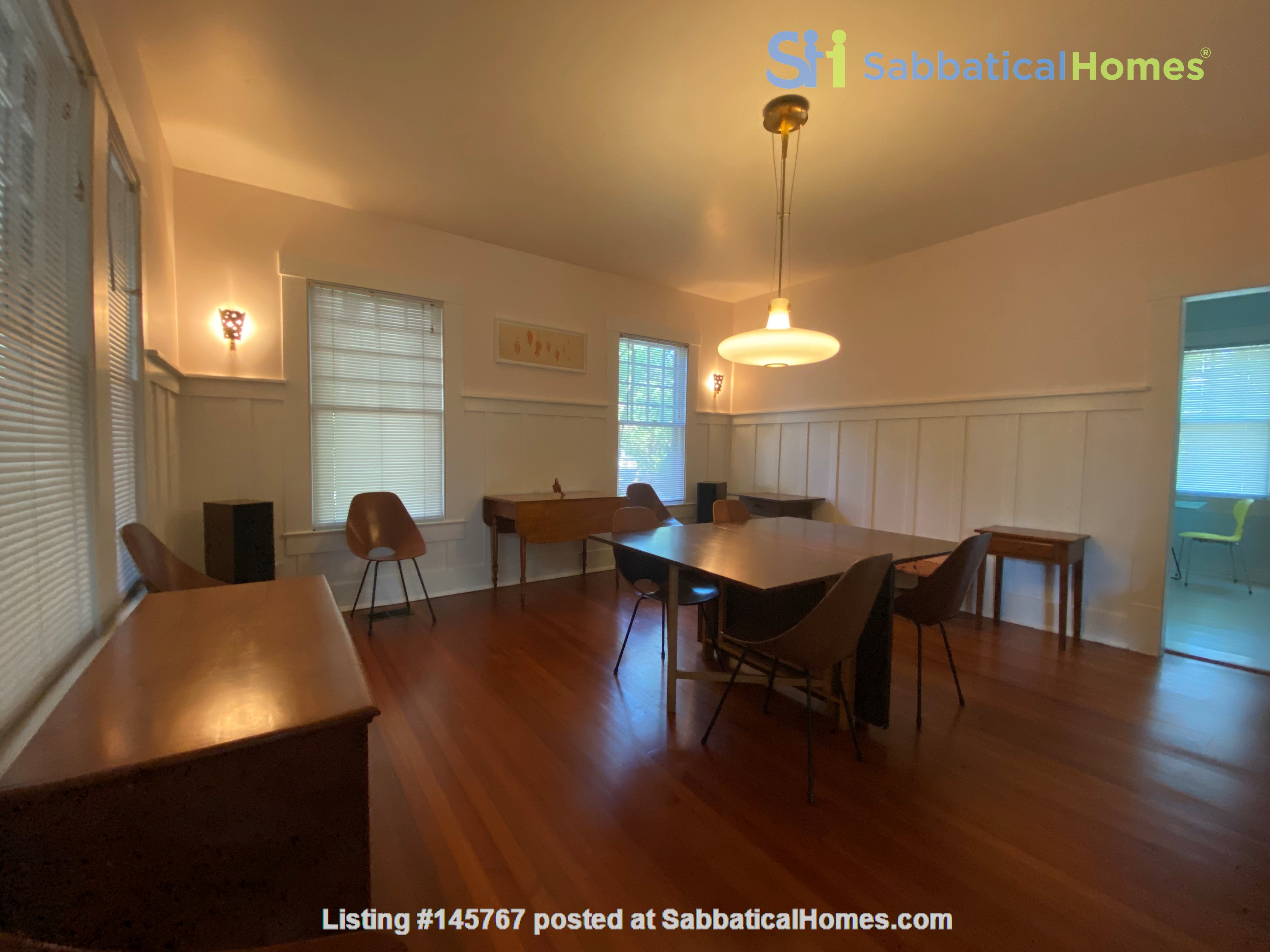 Beautiful 1920s Craftsman House (furnished, home share) Home Rental in Austin 2