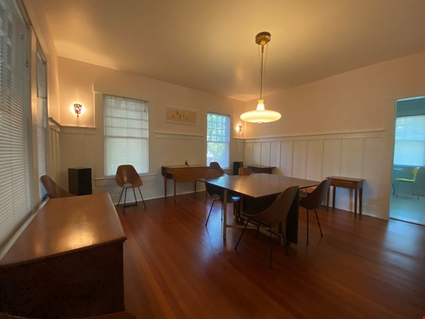 Beautiful 1920s Craftsman House (furnished, home share) Home Rental in Austin 2 - thumbnail