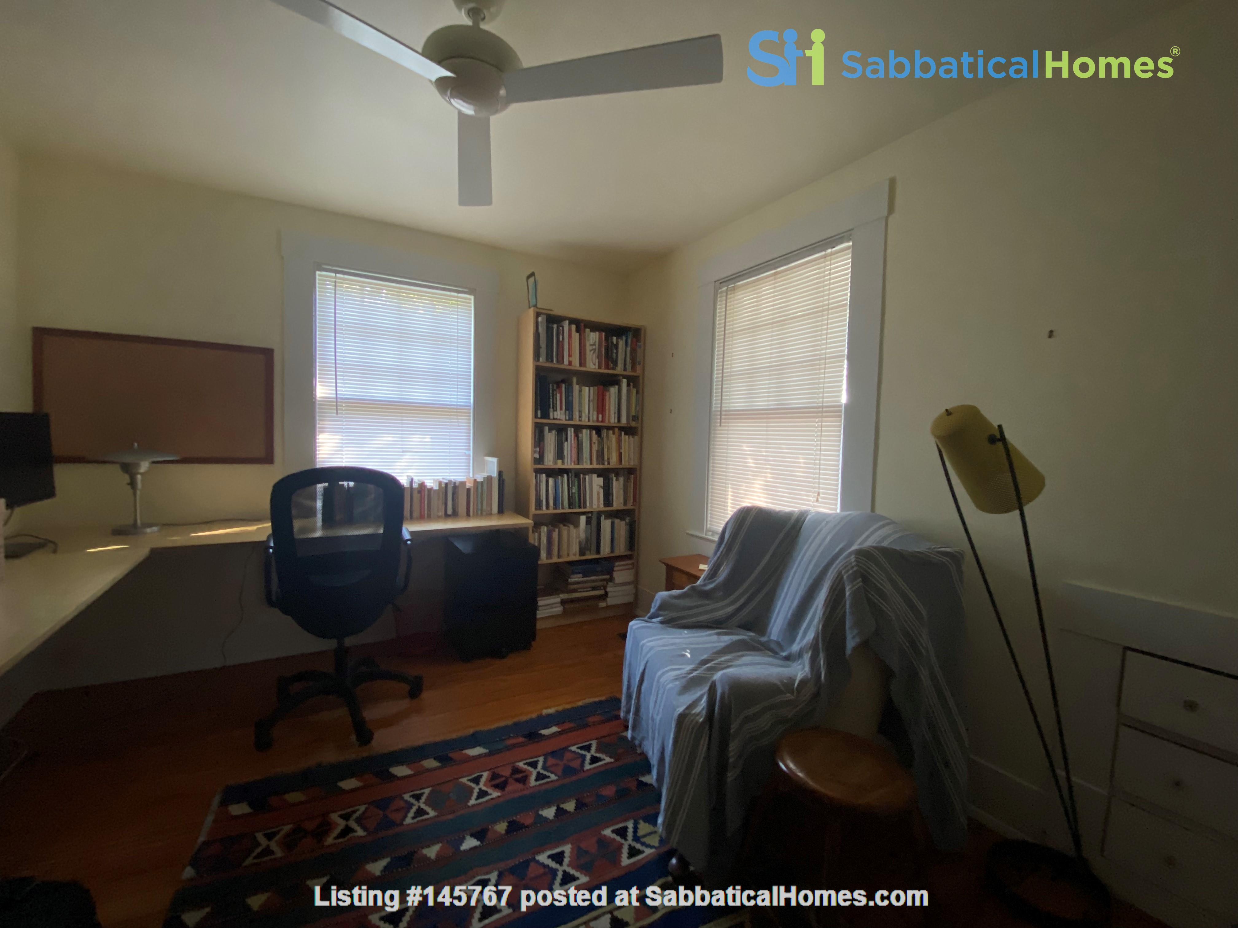 Beautiful 1920s Craftsman House (furnished, home share) Home Rental in Austin 7