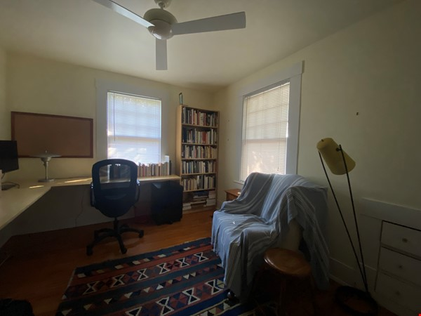 Beautiful 1920s Craftsman House (furnished, home share) Home Rental in Austin 7 - thumbnail