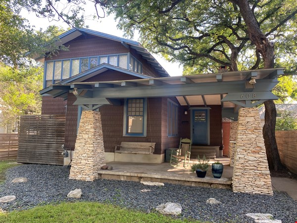 Beautiful 1920s Craftsman House (furnished, home share) Home Rental in Austin 0 - thumbnail