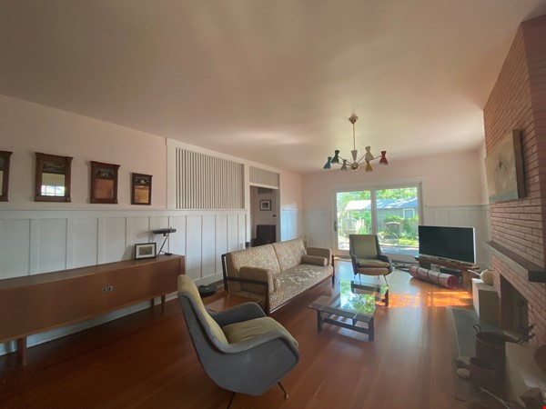 Beautiful 1920s Craftsman House (furnished, home share) Home Rental in Austin 1 - thumbnail