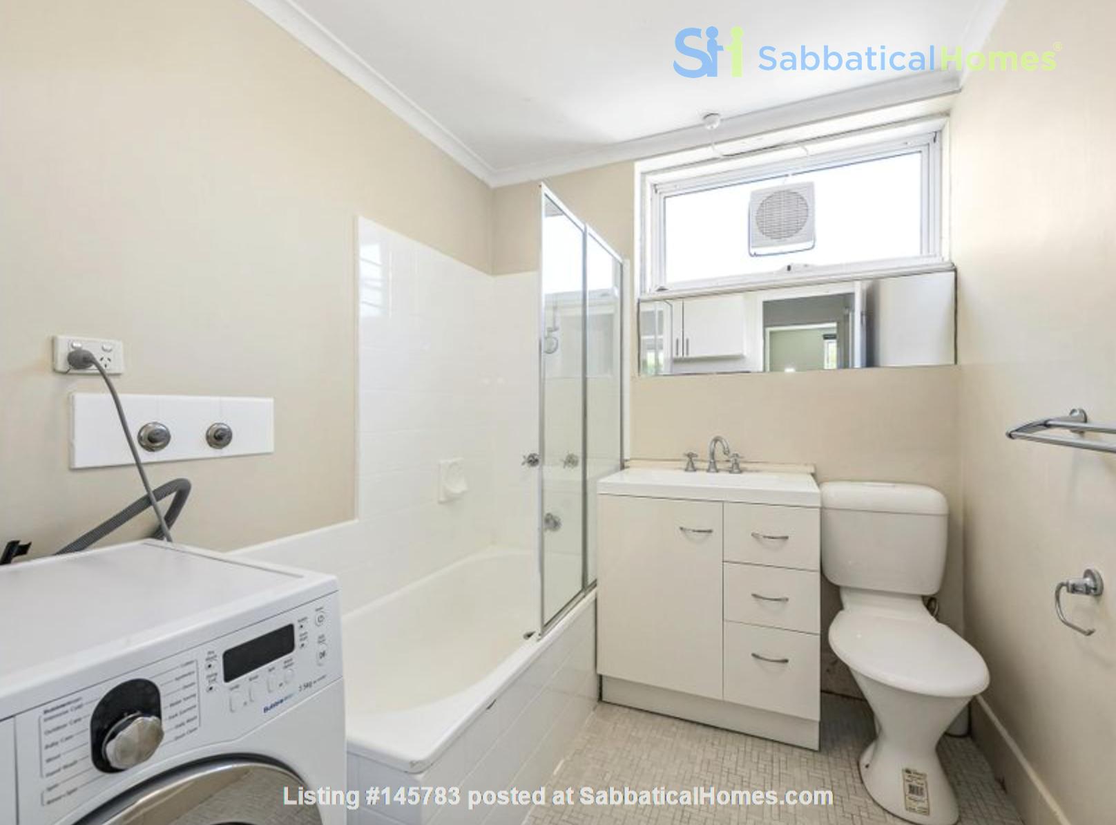 2 bedroom apartment in inner city Melbourne Home Rental in St Kilda East 4