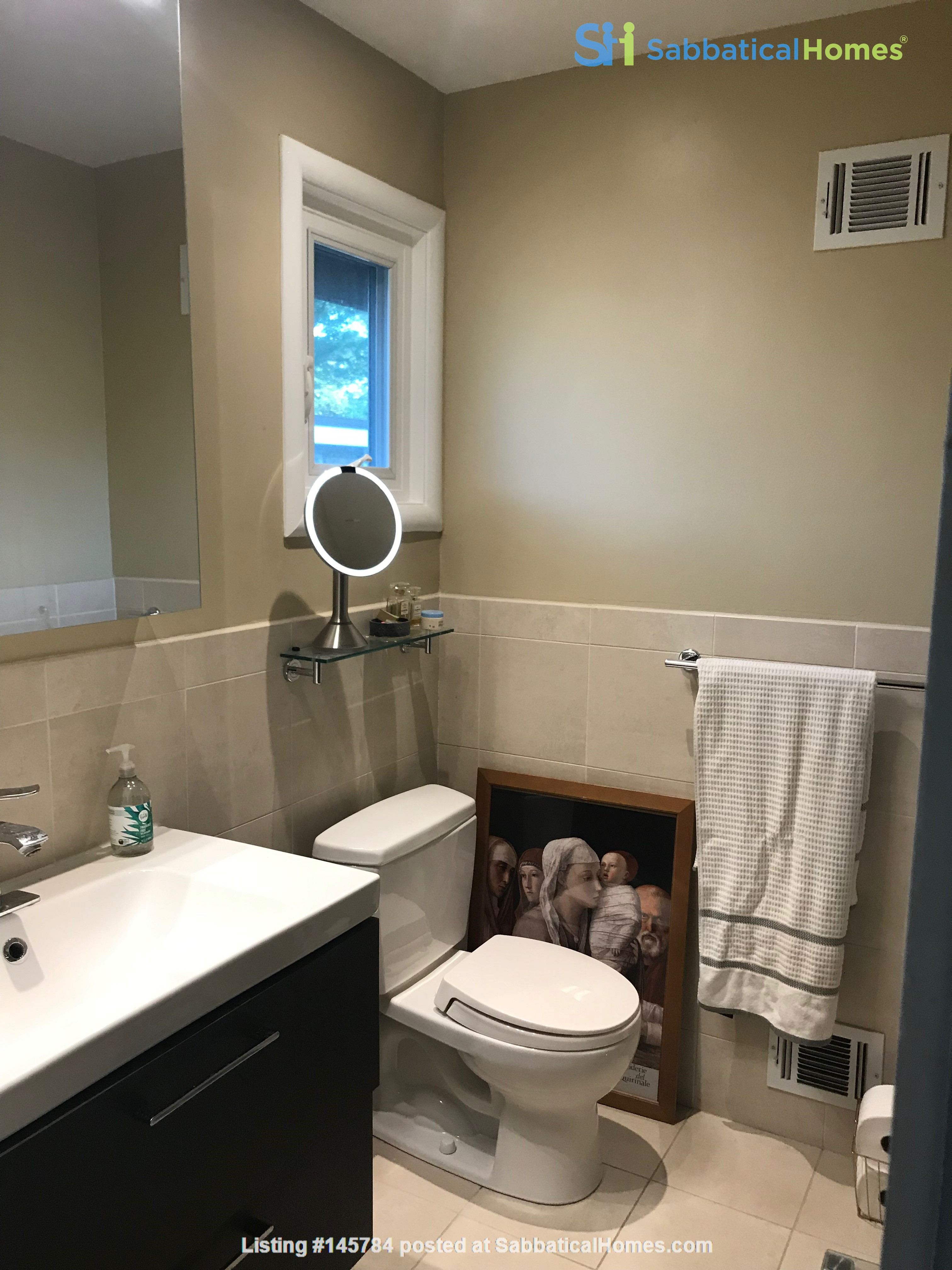 Renovated mid-century modern home (furnished) in desirable Chevy Chase, MD Home Rental in Chevy Chase 8