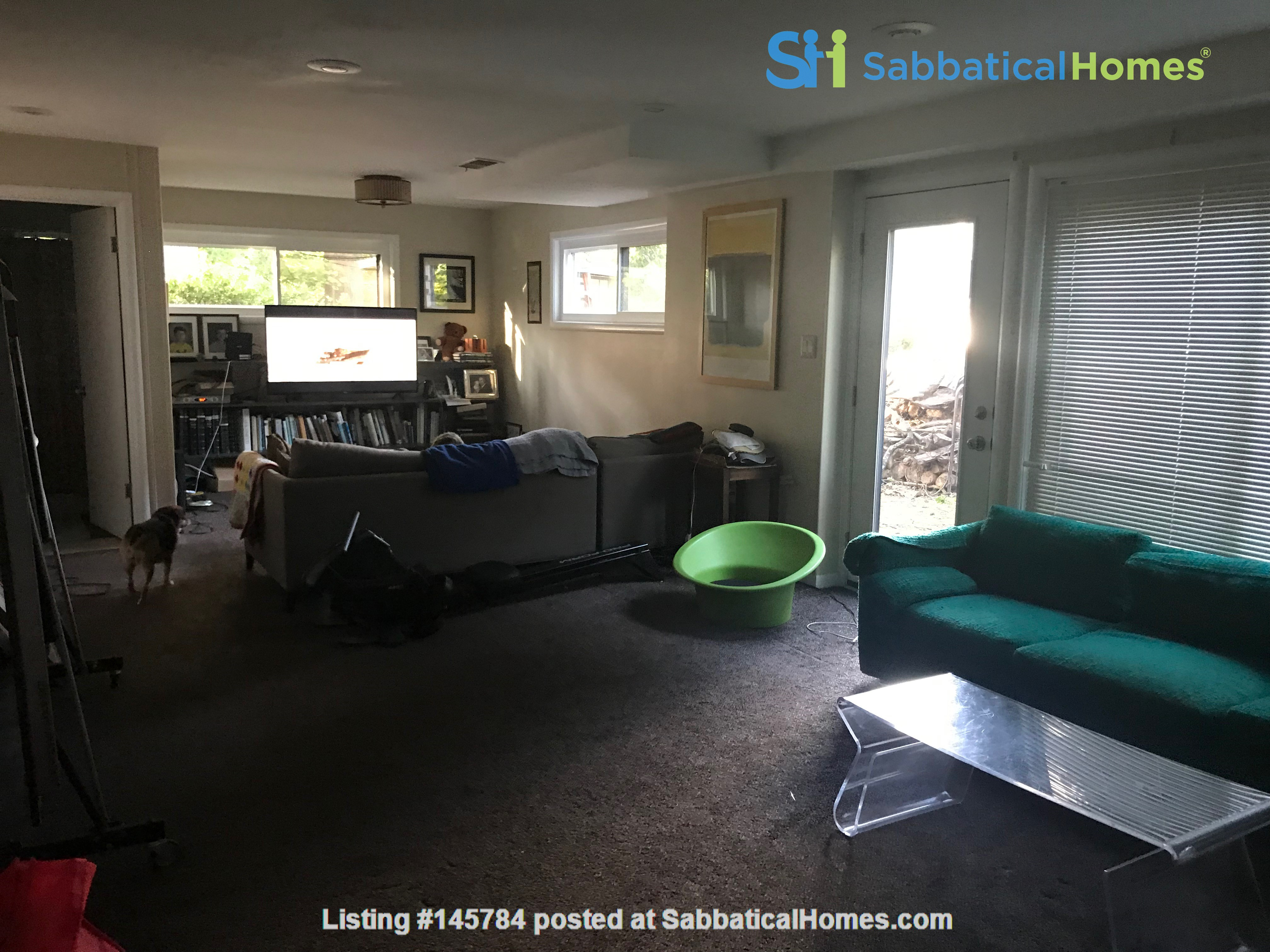 Renovated mid-century modern home (furnished) in desirable Chevy Chase, MD Home Rental in Chevy Chase 9