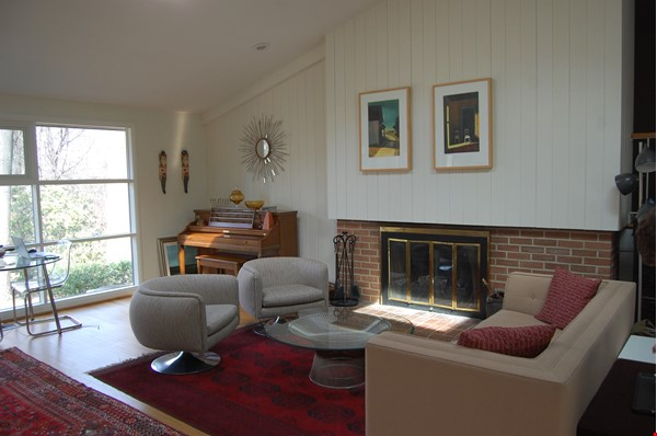 Renovated mid-century modern home (furnished) in desirable Chevy Chase, MD Home Rental in Chevy Chase 1 - thumbnail