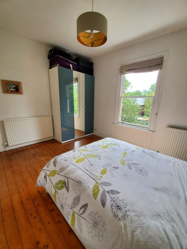 Manchester UK: Spacious, Quiet, Sunlight Filled Flat in Great Neighbourhood Home Rental in  3 - thumbnail