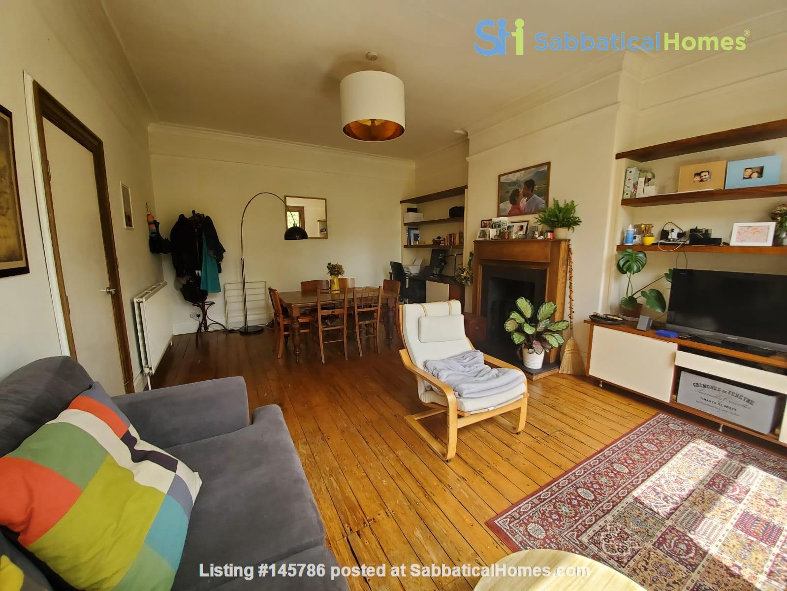 Manchester UK: Spacious, Quiet, Sunlight Filled Flat in Great Neighbourhood Home Rental in  1