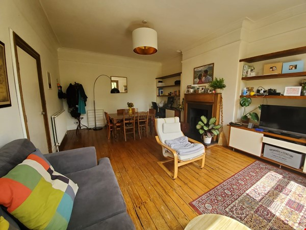Manchester UK: Spacious, Quiet, Sunlight Filled Flat in Great Neighbourhood Home Rental in  1 - thumbnail