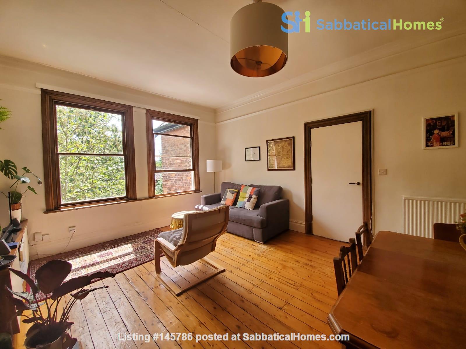 Manchester UK: Spacious, Quiet, Sunlight Filled Flat in Great Neighbourhood Home Rental in  0