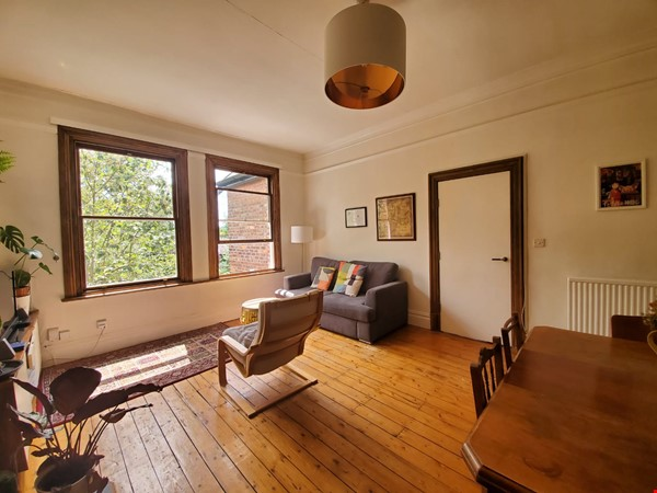 Manchester UK: Spacious, Quiet, Sunlight Filled Flat in Great Neighbourhood Home Rental in  0 - thumbnail