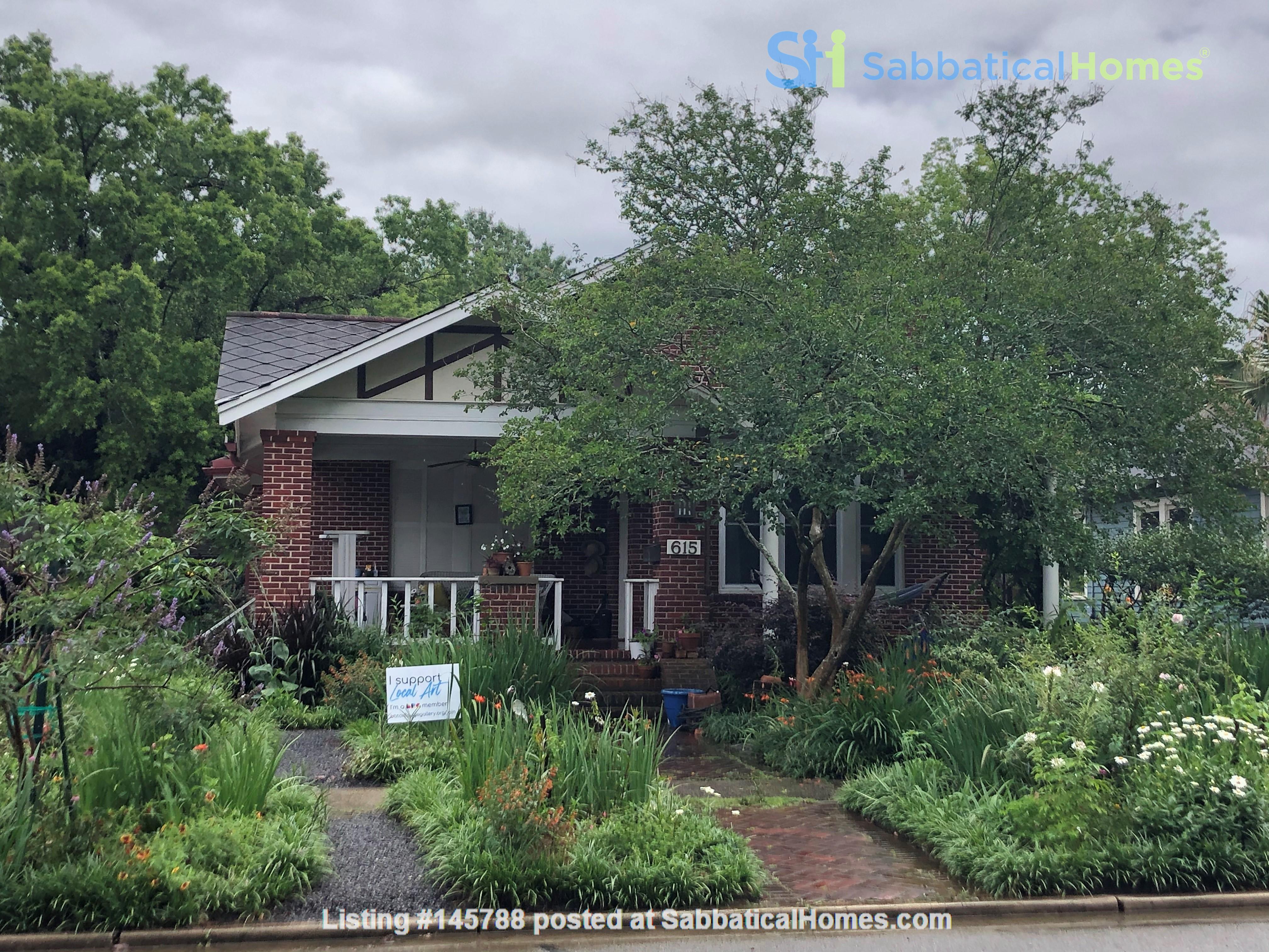 Charming 3 bedroom bungalow in Baton Rouge, Louisiana near LSU Home Rental in Baton Rouge 0