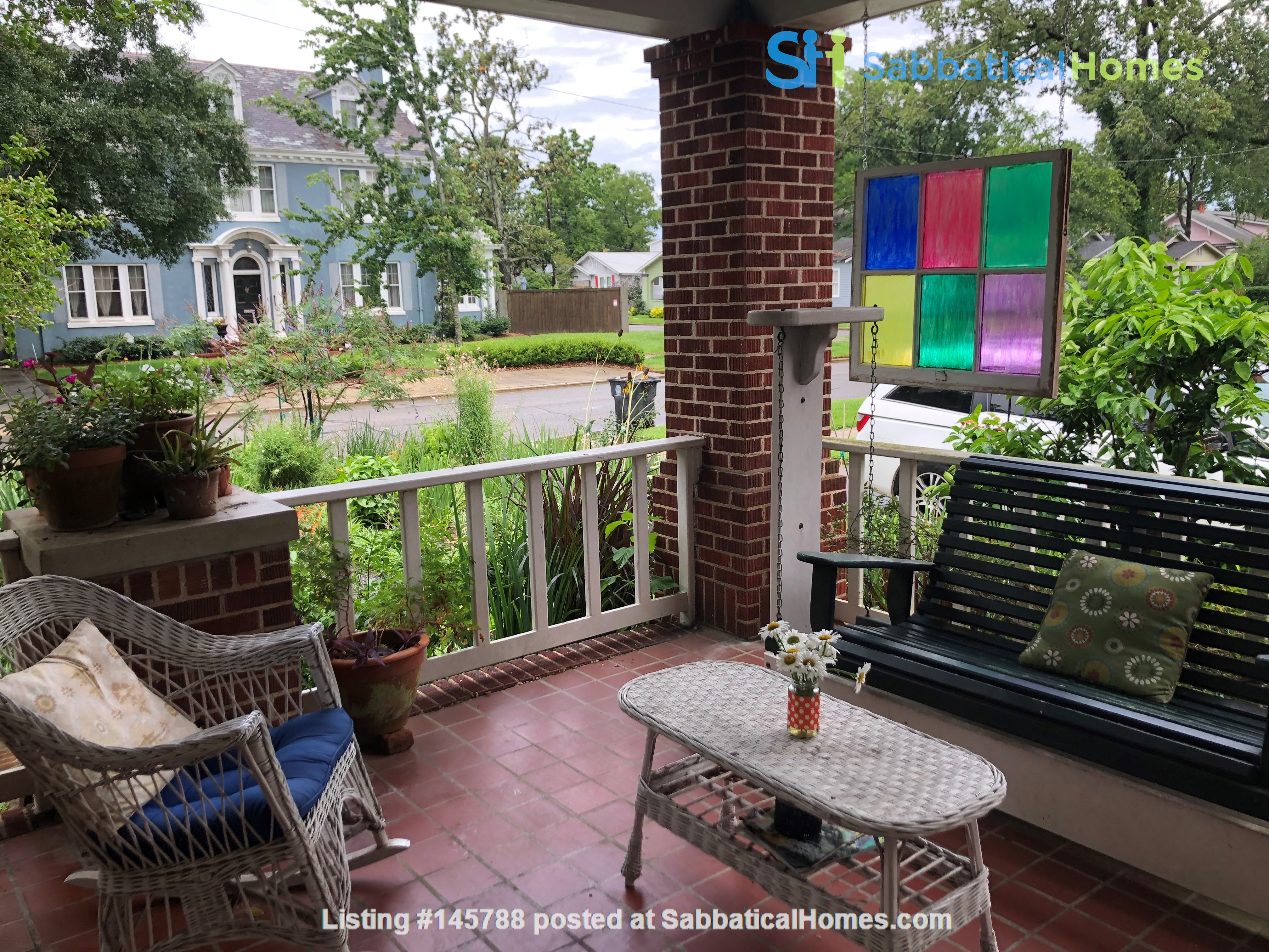 Charming 3 bedroom bungalow in Baton Rouge, Louisiana near LSU Home Rental in Baton Rouge 1