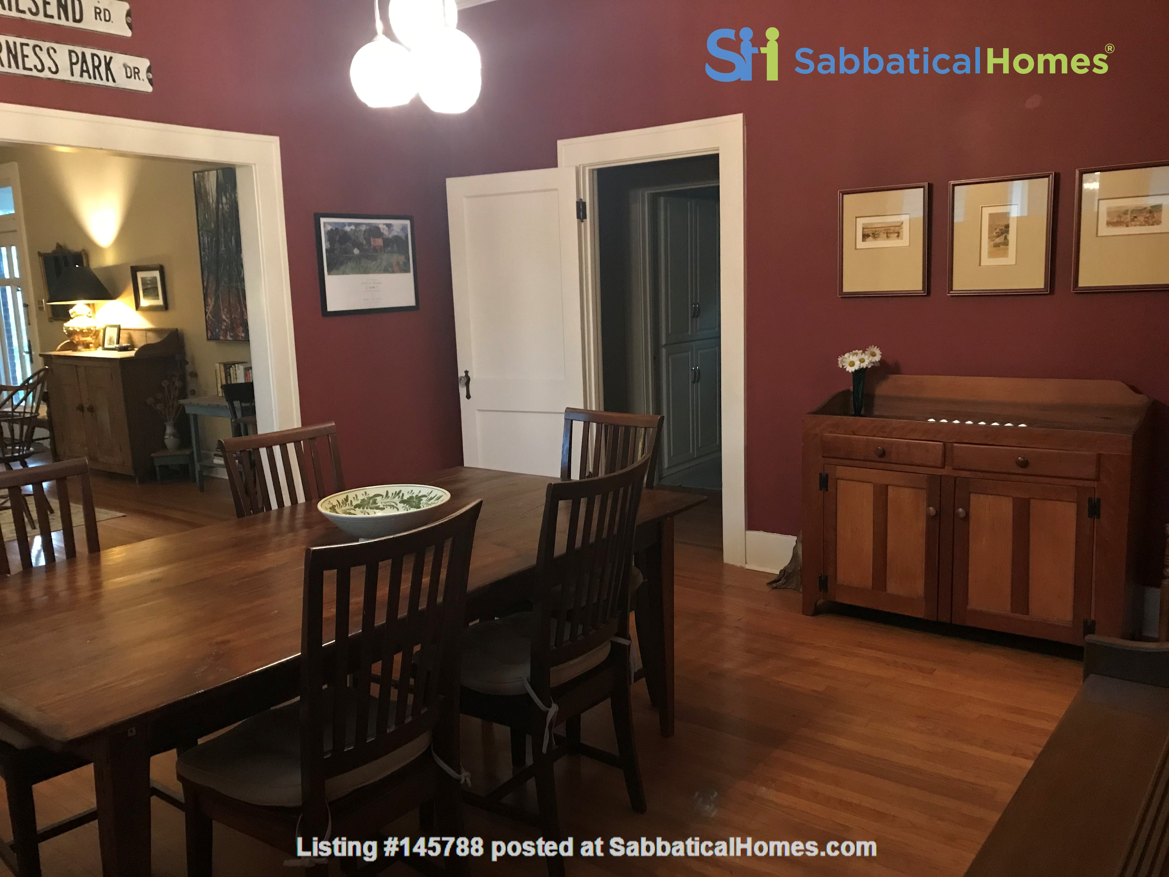 Charming 3 bedroom bungalow in Baton Rouge, Louisiana near LSU Home Rental in Baton Rouge 3