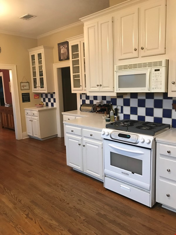 Charming 3 bedroom bungalow in Baton Rouge, Louisiana near LSU Home Rental in Baton Rouge 4 - thumbnail