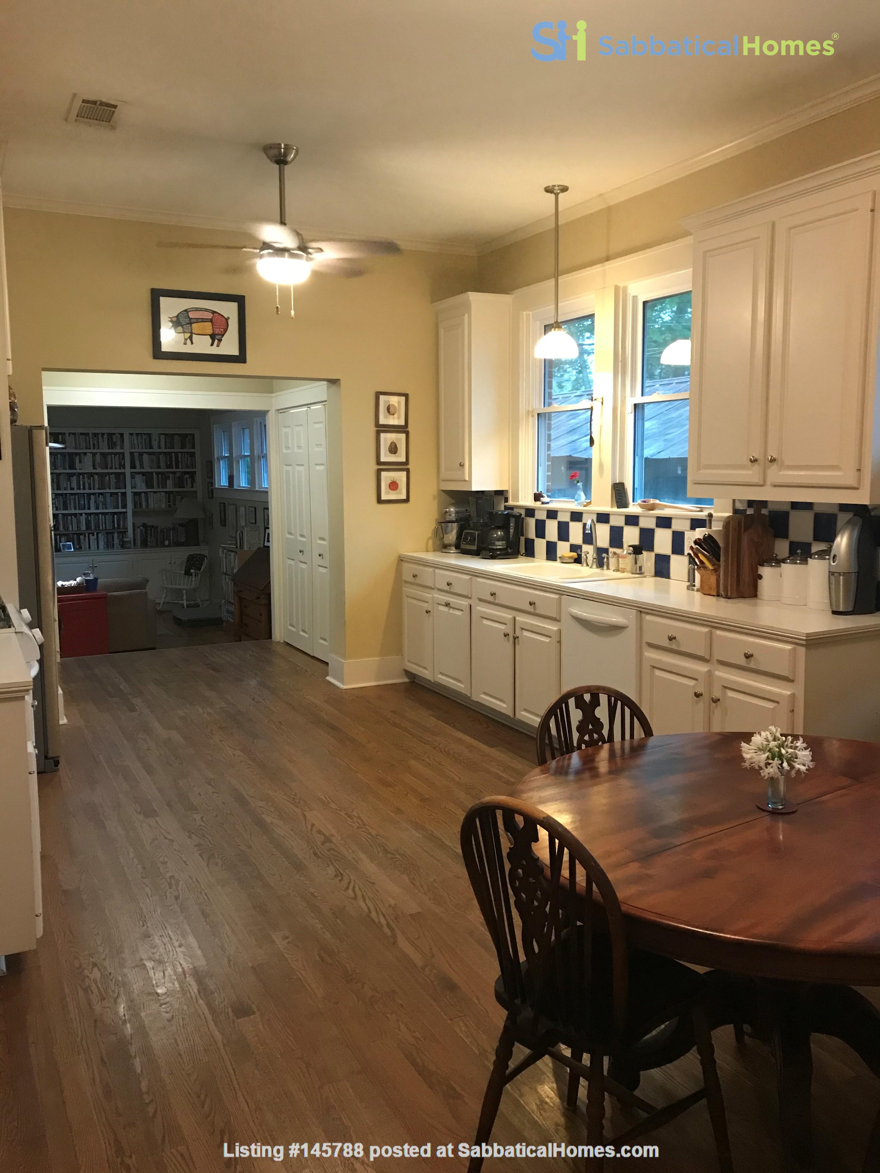 Charming 3 bedroom bungalow in Baton Rouge, Louisiana near LSU Home Rental in Baton Rouge 5