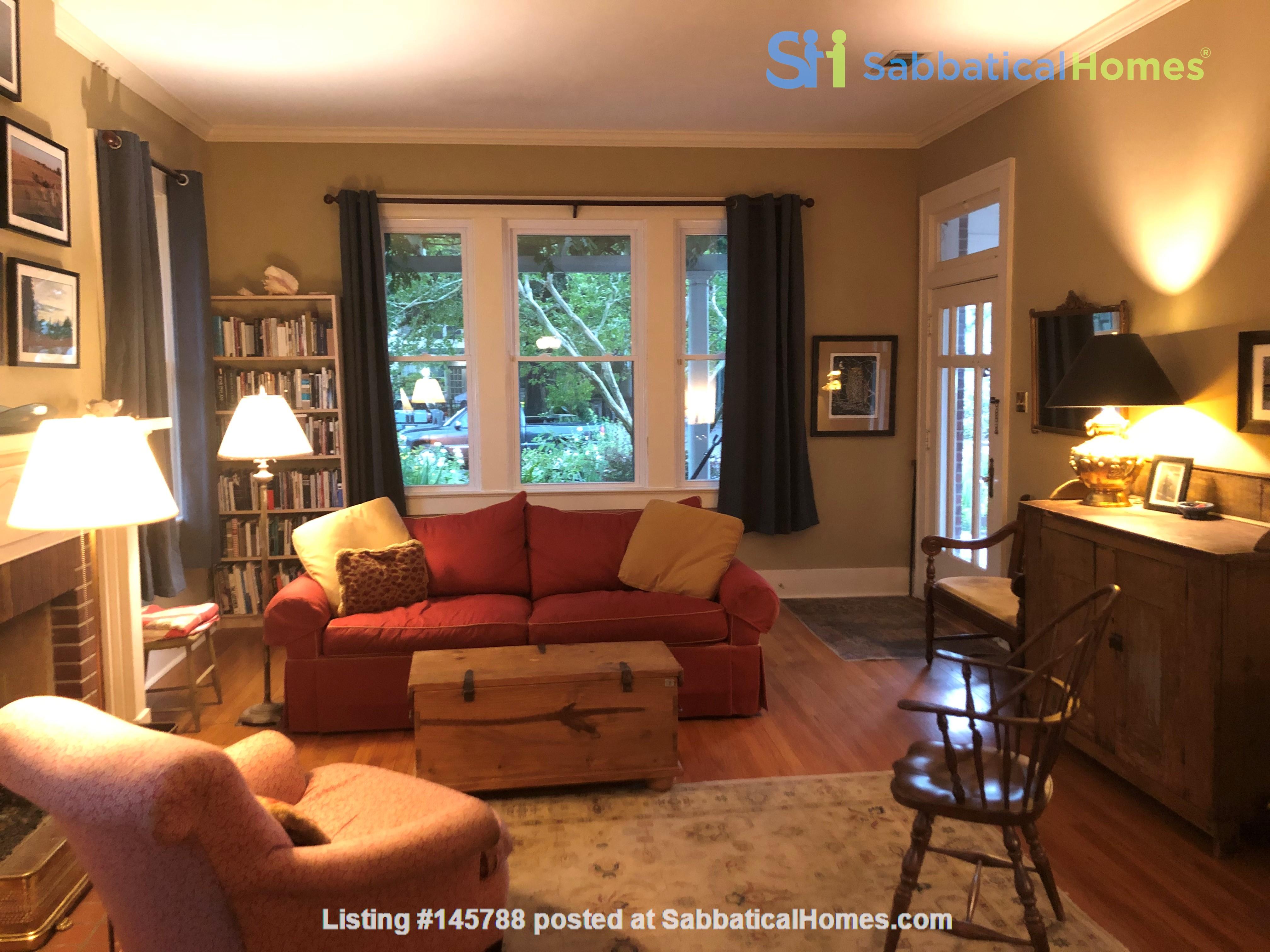 Charming 3 bedroom bungalow in Baton Rouge, Louisiana near LSU Home Rental in Baton Rouge 2