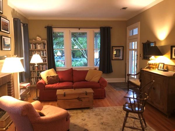 Charming 3 bedroom bungalow in Baton Rouge, Louisiana near LSU Home Rental in Baton Rouge 2 - thumbnail